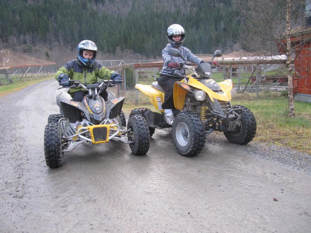 Kjøring med firhjuling
